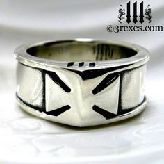Mens Silver Iron Cross ring echoing the history and chivalry of the Knights Templar! #mensrings @3 Rexes Jewelry www.3rexes.com