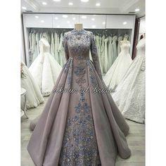 👌👌👌 #gelinlikmodeli #gelinlik #nişanlık #tesettürgelinlik #ilknuralbridal #bride #bridal #hijabbride #hijabbridaldress #weddingpics…