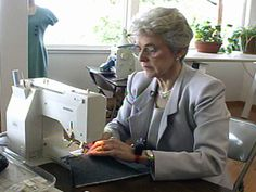 Sewing teacher Shirley Smith demonstrates her technique for creating a crisp, 90-degree corner. The process works for corners of other angles, too.