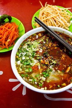 The Best Lanzhou Lamian in Lanzhou (clear soup with white radish, green coriander, red chilis, yellow noodles