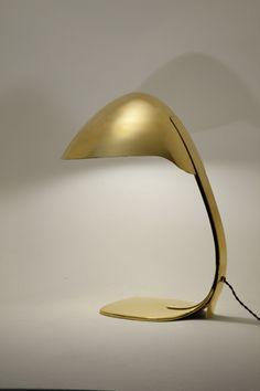 Paavo Tynell - Lampe de table en laiton. Finlande, circa 1950 #lighting #jpwarren #interiordesign