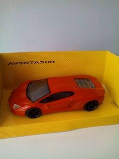 (v11) Voiture miniature 1/43 Lamborghini Aventador Mondo Motors