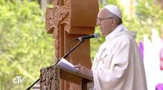 """En la homilía que pronunció en la plaza Vartanants en la ciudad de Gyumri, en Armenia, el Papa Francisco preguntó a los fieles """"¿Qué es lo que el Señor quiere que construyamos hoy en la vida?"""" proponiendo 3 pilares sobre los que edificar y reconstruir la vida cristiana."""