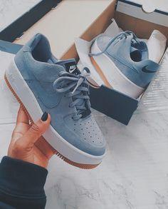 Sneaker Outfits, Converse Sneaker, Puma Sneaker, Nike Outfits, Sneakers Mode, Grey Sneakers, Sneakers Fashion, Fashion Shoes, Fashion Outfits