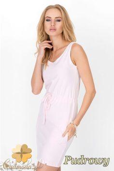 Kobieca sukienka na ramiączkach firmy Makadamia.  #cudmoda #moda #styl #ubrania #fashion #dress #clothes