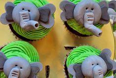 elephant cupcakes - I know someone who would like these :)