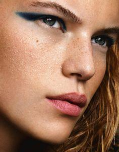 Little blue line. #makeup