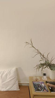Soft Wallpaper, Aesthetic Pastel Wallpaper, Cute Wallpaper Backgrounds, Cute Wallpapers, Aesthetic Wallpapers, Plant Wallpaper, Aesthetic Lockscreens, Broken White, Minimalist Wallpaper