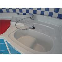 Alt Değiştirme Masası - Ürün Kategorileri Bebek küveti, kelebek lavabo ve alt değiştirme birarada...