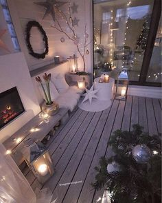 Creative Patio Ideas For the Home Interior Design Living Room, Living Room Decor, Bedroom Decor, Christmas Diy, Christmas Decorations, Holiday Decor, Deco Champetre, Balcony Furniture, Christmas Interiors