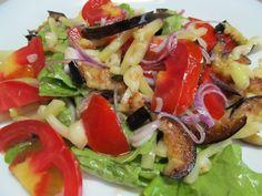 Баклажан, помидор, болгарский перец, красный лук, чеснок, базилик, листья салата, соль, перец, оливковое масло