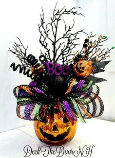 Pumpkin arrangement Halloween arrangement deco by DeckTheDoorNH Halloween Tisch, Table Halloween, Fröhliches Halloween, Halloween Flowers, Adornos Halloween, Halloween Ornaments, Diy Halloween Decorations, Holidays Halloween, Halloween Pumpkins