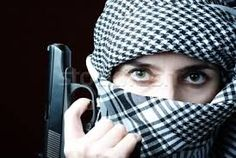 Resultado de imagem para olhos arabes