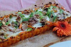 Quiche met geitenkaas, vrij klassiek. Maar maak eens een quiche met deze originele bodem van zoete aardappel. Zoete aardappel combineert geweldig met spinazie en geitenkaas, zo maak je van je maaltijd een feestje.