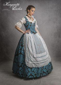 Huertana Carla Europe Fashion, Fashion History, Traditional Fashion, Traditional Dresses, Historical Clothing, Historical Dress, Pioneer Clothing, Vintage Dresses, Vintage Outfits
