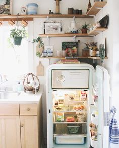 4,666 vind-ik-leuks, 37 reacties - Anna Louise | Portland, Oregon (@_annalouise._) op Instagram: 'I get a lot of questions about what it's like having a vintage refrigerator, so check out my…'