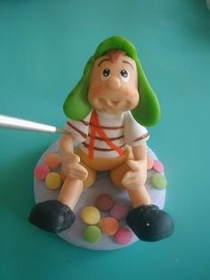 I can't believe I just found El Chavo del 8 as a cake topper!! LOL!!