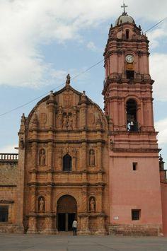 Templo de Nuestra Señora del Carmen. Tlalpujahua, Michoacán.