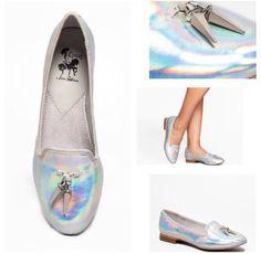 Hologram shoes!!! Amazed!