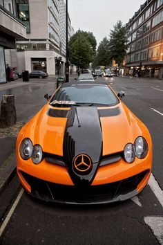 "Mercedes SLR McLaren — looks like a ""Harley-Davidson Edition""! Maserati, Bugatti, Ferrari, Lamborghini, Mercedes Benz Amg, Mercedes Mclaren, Slr Mclaren, Gwagon Mercedes, Koenigsegg"