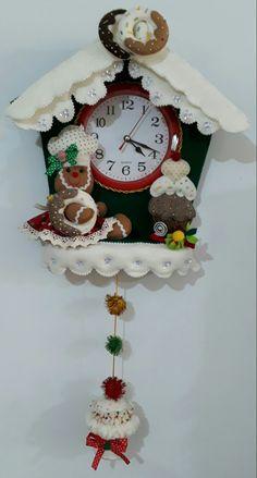Christmas Clock, Christmas Wall Hangings, Felt Christmas Decorations, Christmas 2017, Christmas Diy, Xmas, Crochet Turtle Pattern, Felt Wall Hanging, House Ornaments