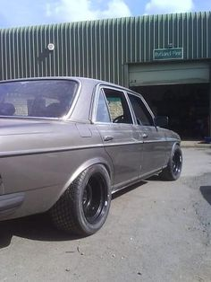 http://www.benzworld.org/forums/attachments/w140-s-class/358241d1298223338t-banded-steel-wheels-2.jpg