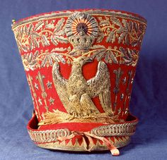 Un shako d'officier de Hussard, don de famille de la famille Borghèse au musée Napoléon de Rome.