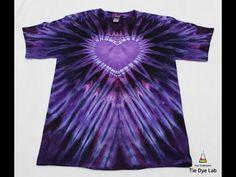 Diy Tie Dye Heart, Heart Tye Dye, Tie Dye Tips, How To Tie Dye, Cute Tie Dye Shirts, Moda Tie Dye, Homemade Tie Dye, Tie Dye Folding Techniques, Tie Dye Tutorial