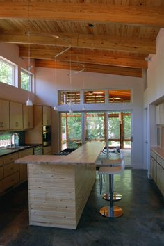 Modern Sustainable Home Design, Allen Residence by Skiles Architect - Home Design Inspiration Solar House, Prefab Homes, Concrete Floors, Modern House Design, My Dream Home, Decoration, House Plans, New Homes, Interior Design