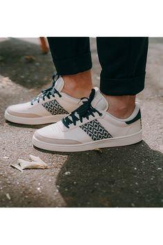Ngo Shoes s'engage à reverser une partie de ses bénéfices à l'ONG Sao Bien, qui oeuvre au Vietnam afin de construire des écoles et scolariser les enfants des villages marginalisés du nord du pays pour chaque paire vendue.   #mode #look #style #baskets #sneakers #menswear #mensfashion #ethic #ethicalshoes #sustainable #ngo #ngoshoes #ninhbinh #ngoninhbinh #white #motif #beauty