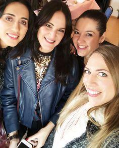 ... @marykayespana  #zdm #marykay #felizmarykay #beauty #sesionmaquillaje #masterclass #belleza #love #girl #pretty #blogger #cute #fashion #style #stylistlife #cool #glam #happyweekend #instabeauty #instagood