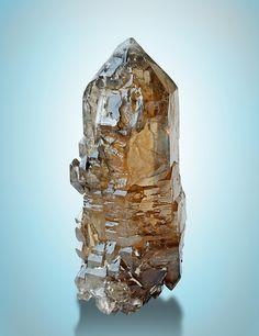 Quartz var.Citrine - Sao Geraldo do Baixio, Minas Gerais, Brazil Size: 12.9 × 4.7 × 5.2 cm
