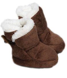chaussons bébé   chausson pour bébé en velours parfaits pour les petits  pieds de bébé ba9b23487dcf