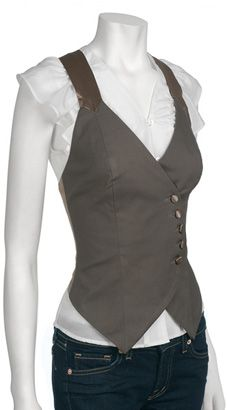 Haltery-looking vest wouls be easy to reconstruct from op-shop jacket