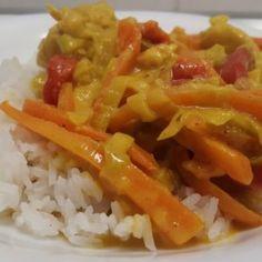 Paleo csirke curry répával és kaliforniai paprikával Food Network, Feta, Grains, Curry, Rice, Curries, Seeds, Laughter, Jim Rice