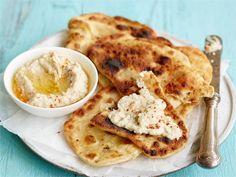 Baba ghanoush eli munakoisosta ja seesaminsiemenistä valmistettava tahna on lähtöisin arabialaisesta keittiöstä. Baba ghanoush sopii hyvin levitteeksi, dippikastikkeeksi tai lisäkkeeksi. Tarjoa sitä esim. Chapati-leipien (ks. erillinen ohje) kanssa.