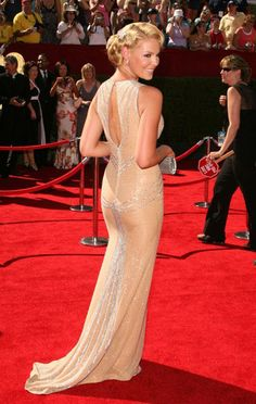 Love this Escada Dress on Katherine Heigl. She definitely has the body for it!  And her hair is exquisite!
