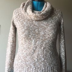 "Wool Sweater Speckled cotton & wool sweater in great used condition. No snags or tears •bust measures 38"" when laying flat• has a bit of stretch as modeled on a plus size mannequin. Any questions feel free to ask! Banana Republic Sweaters"