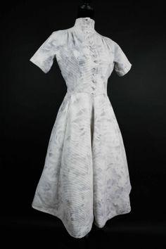 #vintage1950 #dress   http://www.vintage-galerie.fr/boutique-vintage/robes-vintage-1940/415-robe-vintage-1950.html