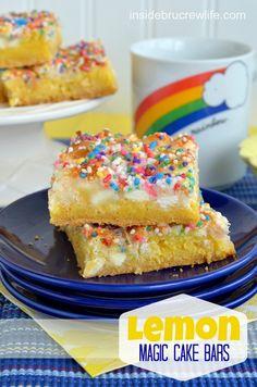 Lemon Cake Bars - easy gooey lemon cake bars topped with white chocolate and coconut #magicbars #lemon @brucrewlife