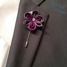Pansy Lapel Pin Wisteria and Plum Pansy Kaznashi by DidiArtCorner Fabric Flower Tutorial, Fabric Flowers, Shibori, Brooch Boutonniere, Small Hair Clips, Kanzashi Tutorial, Lapel Flower, Kanzashi Flowers, Hair Decorations