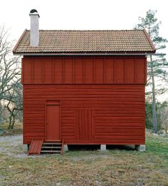 Small summer house in the countryside outside Arboga -Sweden /General Architecture Bungalows, Villa, Timber Walls, Concrete Walls, Timber Structure, Wood Architecture, Scandinavian Architecture, Small Buildings, Wooden House