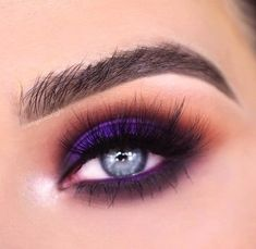 Tutorial of this look is up on my channel 💜 X bling boss and ring the alarm palette from the vault collection gel eyeliner in voodoo mink hollywood Purple Eyeshadow Looks, Purple Makeup Looks, Fancy Makeup, Orange Makeup, Dark Eyeshadow, Purple Eye Makeup, Creative Eye Makeup, Makeup Eye Looks, Eyeshadow Makeup