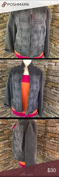 Lord And Taylor Jean Jacket Denim Sz 6 ID Entity Lord And Taylor Womens Jean Jacket Denim Size 6 ID Entity Fade Black. Condition: Pre-owned. No flaws. Features: Hook closures. Front pockets. Mandarine collar. Princess seams. Fold over sleeves. Chest: 16 inches, Length: 21 inches, Sleeves: 23 inches,Shoulders: 15 inches. Lord & Taylor Jackets & Coats Jean Jackets