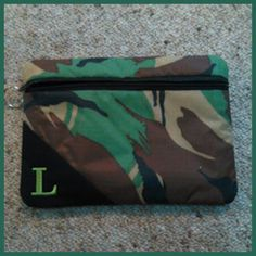 In-the-hoop Lined Zipper Bag (4 sizes)
