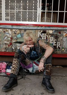 Meet Jimmy Webb - punk originator and manager of iconic New York punk-rock boutique, Trash And Vaudeville. Rock N Roll Music, Rock And Roll, Trash And Vaudeville, Jimmy Webb, Punk Fashion, Punk Rock, I Laughed, New York, Meet