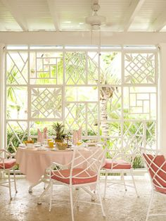 Lyford Cay Club by Tom Scheerer, Inc. Lovely!! Would love to have a screen like this outdoors.