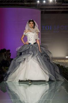 #blueandwhite per questo #abitodasposa #haute #couture di #toispose. Abito #romantico in #tulle e #pizzo con #glitter.
