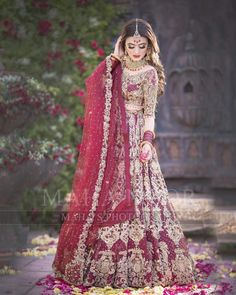 Awesome New Bridal Photoshoot of Hira Mani Latest Bridal Dresses, Bridal Mehndi Dresses, Pakistani Wedding Outfits, Bridal Dress Design, Pakistani Bridal Dresses, Pakistani Wedding Dresses, Bridal Outfits, Bridal Lehenga, Lehenga Choli