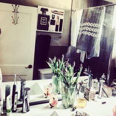 Tidying the bathroom and adding beauty. Because. Well. It's Beautiful!#addbeauty #authentic #wellnes #design #lifestyledesign #befree #comfortable #excited #light #wildchildlifestylz #bellalanespeaks #bellaspeaks #wildlywellwithmel #staytuned #itsallhappening